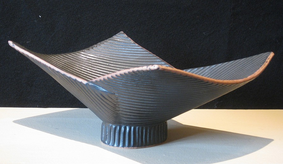 Birthe Flexner, BLACK FOLDED BOWL Ceramic